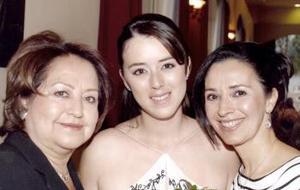 13 de marzo 2005  Raquel Pámanes en compañía de Ana María Vargas y Rocío Muñoz de Pámanes.