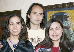Leyla Fernández, Luis Alberto Spinetta y Melissa Lárraga.