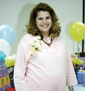 <b>13 de marzo 2005</b> <p> Judith Favero de Cárdenas en espera del nacimiento de su primer bebé.