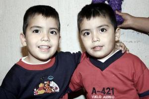 Los gemelos Francisco y Emmanuel Meléndez Arriaga el día de su fiesta de cumpleaños.