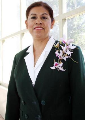 Rosavelia Hernández Alvarado celebró su jubilación laboral, luego de 27 años de servicio