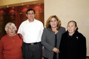 María Guadalupe Ávila, Gerardo Gómez, Martha Moreno y María de Jesús  Moreno