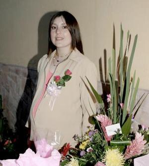 Gladys Cruz de Ríos espera el nacimiento de su primer bebé, motivo por el cual fue festejada con una agradable reunión.