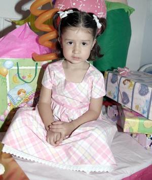 La pequeña Paola Riodríguez en su fiesta de cumpleaños.