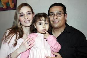 María Fernanda Uribe Morán festejó su segundo cumpleaños con una divertida fiesta que le organizaron sus papás Antonio Uribe y Danitza Morán de Uribe.
