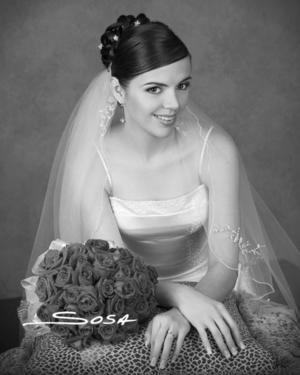 Srita. Ruth Carina Castillo unió su vida en matrimonio con el Sr. Édgar Ceballos Sánchez .