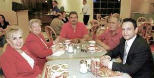 Altagracia Rodríguez de Venzor, Petrita Rodríguez de Díaz, Enrique Díaz Rodríguez, Enrique Díaz  y César Gutiérrez .