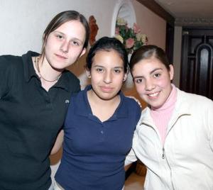 Andrea Villalobos, Mayra Fischer y Anaís García.