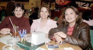 Lilia de Bernal, Vicky de Garza y Elsa de Martínez.