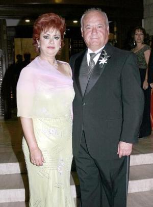 <b>17 de marzo 2005</b> <p> Tere Hernández y Luis Enrique.