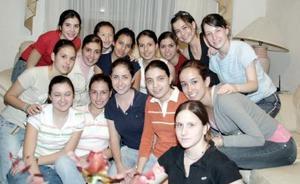 <b>17 de marzo 2005 </b> <p> Stephanie López Muñoz disfrutó  a lo grande una fiesta de cumpleaños con sus amistades.