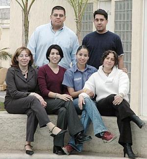 María Luisa Villarreal, Luisa Díaz, Verónica Martínez, Nayeli Argote, Héctor Ibarra y Guillermo Ríos.