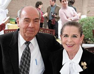 Oscar M. Murra Marcos y Gaby Cofiño de Murra