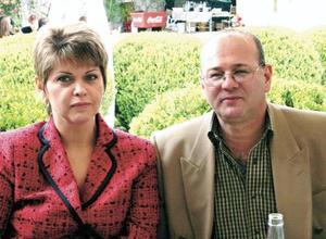 Luz Maria Berrueto y Manuel Acuña