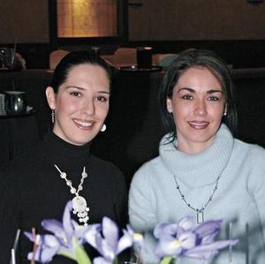 Gaby Alarcón y Mariana López