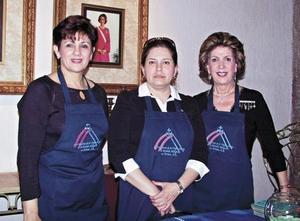 Sara Franco de Garibay, Rosa Martha G. de Juan Marcos y Josie R. de Iriarte