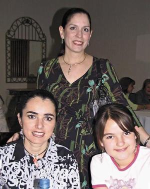 Lorena Paredes de Barrera, Mónica Silveira y Karime Silveira Jalife