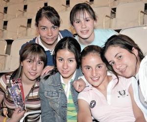 Melanie Pollet, Diana Mourey, Marissa Guerrero, Karen Livas, Melissa Pollet y Sara Garibay