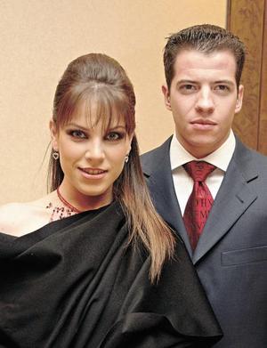 Ana Villy Estrada y Blas Garza