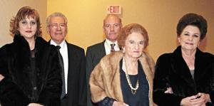 Carmen B. de Abdo, José Abdo Bassal, José Abdo Valencia, Maria Luisa G. de Valencia y Laura V. de Abdo