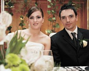 <I>UNEN SUS VIDAS</I><P>Adriana Valencia Portal y Erick Deister Duarte