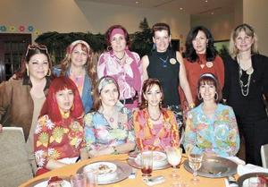 Elvira L. de González, Verónica de Wong Sánchez, Ruth Pastrana de Navarro, Luly V. de Berlanga, Lupe V. de Estrada, Maty de Campa, Mary G. de Madero, Leticia García, Ema G. de De la Peña y Zoila V. de Muñoz