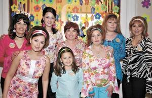 Susana Reed, Susy Reed, Claudia Reed, Claudia Rebollo, Mary Sofy Rebollo, Estela Reed, Brenda Reed y Marcela Reed