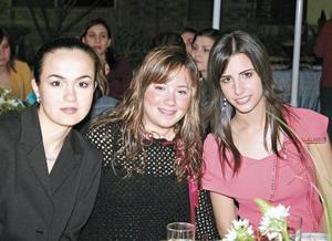 Ana Cristina Aranda de Menéndez, Marcela Juárez de Mijares y Paola Boheringer de Veyán