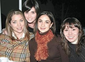 <I>BABY SHOWER PARA ALEJANDRA NAHLE</I><P>Belinda Nahle, Mónica Siller, Laura Pérez y Rhoda Real