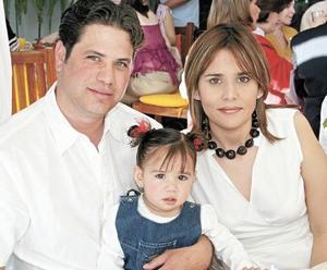 Ricardo Fernández Colores, Gabriela Córdoba de Fernández e Isabela Ferández Cordoba