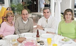 Paty Zarzar de Murra, Roberto, Rogelio y Mariví Murra Marcos