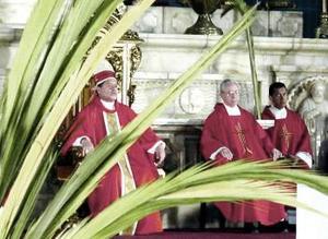En la Catedral Metropolitana se celebró la misa del Domingo de Ramos.