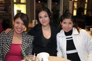 Oleida Montañez, Malena Flores y Nora Ramos.