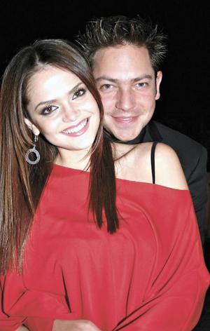 <I>MARISOL FESTEJÓ SU CUMPLEAÑOS</I><P>Marisol González junto con su novio Jan