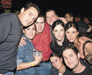 Alberto Dávila, Romy Humphrey, Diego de la Parra, Quique Ude, Vero Zertuche, Silvia Dávila, Bárbara Madero y Manolo Guedea