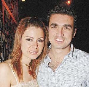 Karla Zúñiga y Beto Rosales