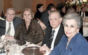 Kenneth y Helvia Lane, Roberto y Martha Ross.