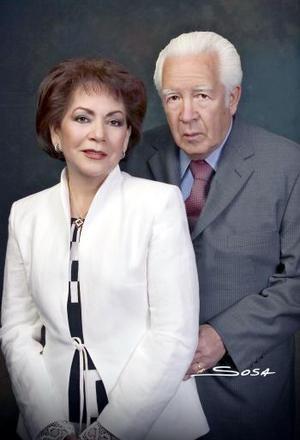 <b>20 de marzo 2005</b> <p> Sr. Antonio Santillán Ríos y Sra. Mariana Nevárez de Santillán.