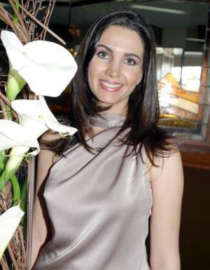 Alicia Estrada Murra en su despedida de soltera.