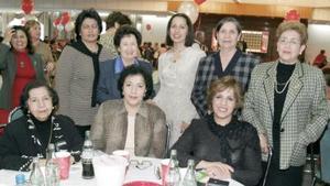 Linda y Fátima Elías, Linda de Elías, Esperanza García, Tensy de Rodríguez, Celia de Ballon y Conchis Fernández.