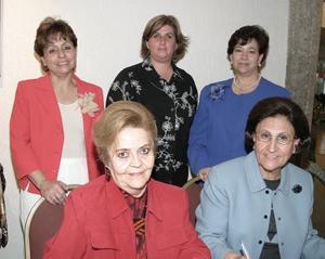 Martha Galván de Montenegro, Emilia Álvarez, Ana Mary Fernández de Canales, Dely Calleja y Laly Torre Martínez  .