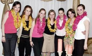 <b>20 de marzo 2005 </b> <p> Zaraí Marques Ríos festejó su cumpleaños con una fiesta tipo hawaiana, acompañada por sus amigas Mariana Michel, Cristina de la Torre, Adriana Reza, Mara Niño, Mariana Álvarez y Gaby García.