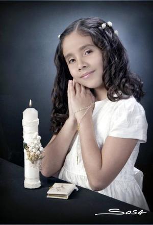 Ana Sofía Rodríguez Flores, en una foto de estudio con motivo de su Primera Comunión.