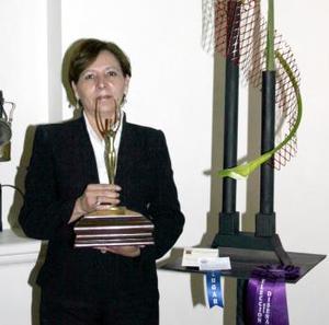 Margarita Gamboa de Martínez resultó ganadora de un rosetón elección del diseñador.