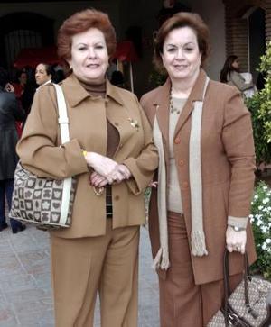 <b>23 de marzo 2005</b> <p> Rosy de Sánchez y Coyo de Trejo.
