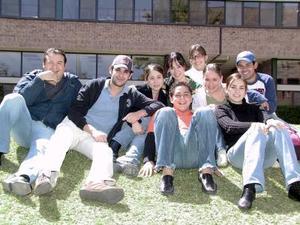 María Elvira Garza, Frank Rodríguez, Ana Caro Madero, Felipe Pérez, Carlos Rosas, Mónica González y Ángela Navarro y Alejandro Huerta.