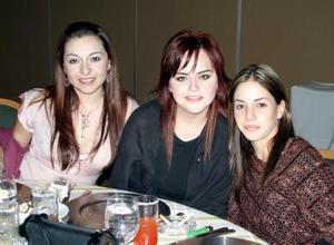 Myrna Hoyos, Julia Salazar y Lorena García.