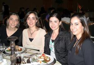 Velina Murra, Claudia Hamdam, Laura Batarse y Julia Peña.