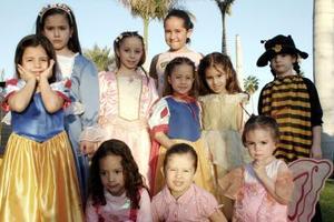 <b>24 de marzo </b> <p> Melissa y Andres Gavela Medina festejaron us cumpoeaños con una divertida fiesta de disfraces..