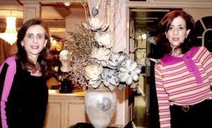 Katia de Zarzar cuidó cada uno de los detalles del convivio junto a Linda Zarzar.